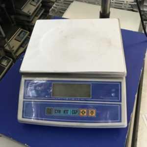 Купить Весы порционные M-ER 326AF LCD