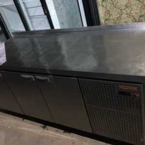 Купить Холодильный стол hicold GN 111/TN