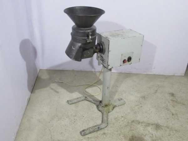 Купить Универсальная кухонная машина Торгомаш УКМ ЛКИМ 101245.001ТУ