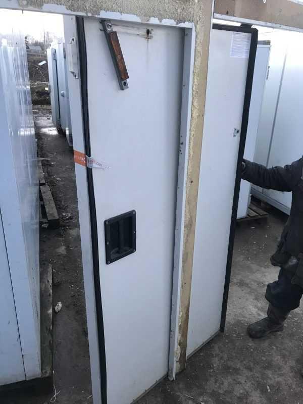 Купить Дверь холодильная откатная