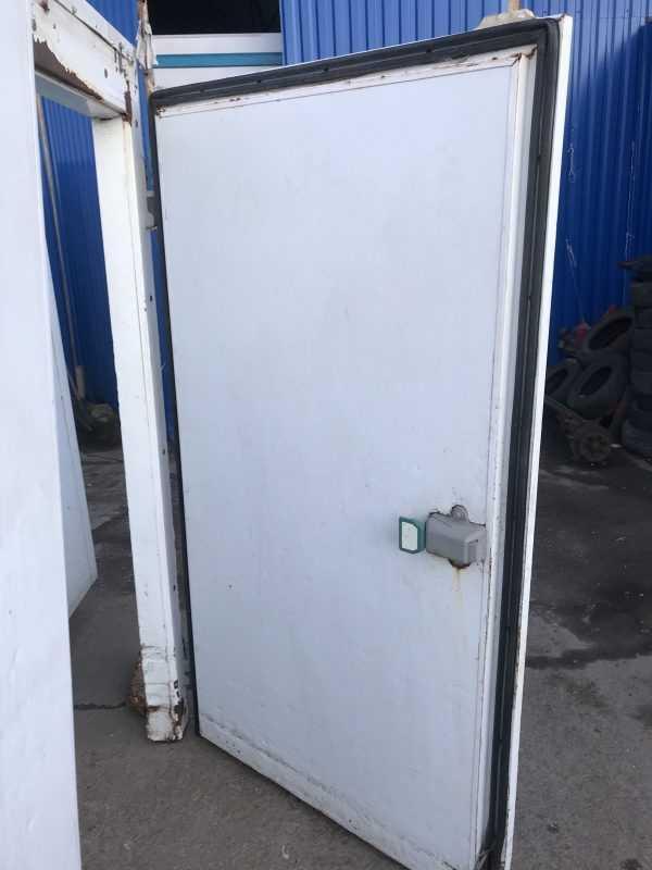 Купить Дверь холодильная распашная