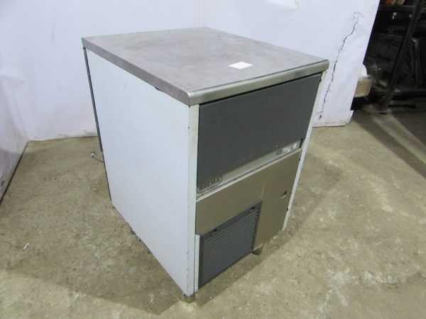 Купить Льдогенератор Brema GB 902