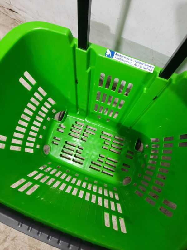 Купить Корзина пластиковая с колесами 460/350/400