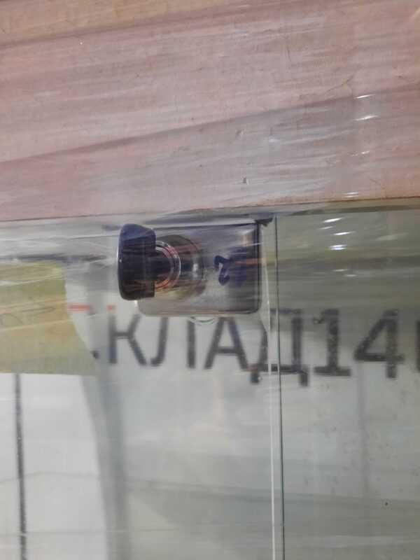 Купить Стойка витрина стекло 90/45/160